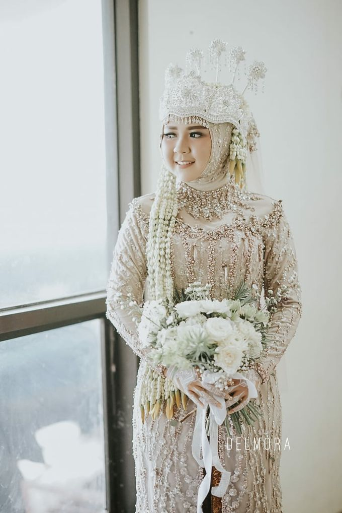 WEDDING CEREMONY KEBAYA MODERN / TRADISIONAL by DELMORA - 016
