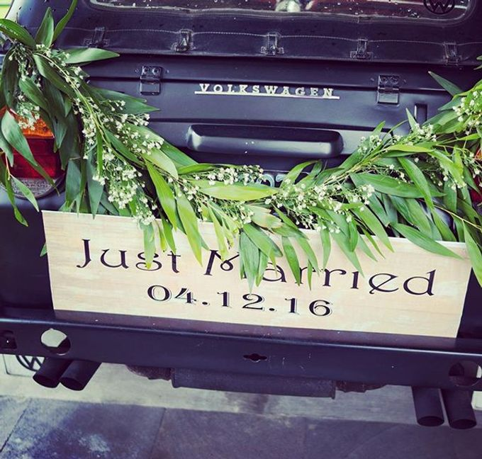 Rustic wedding decoration in bali by bali izatta wedding planner add to board rustic wedding decoration in bali by bali izatta wedding planner wedding florist decorator 005 junglespirit Choice Image