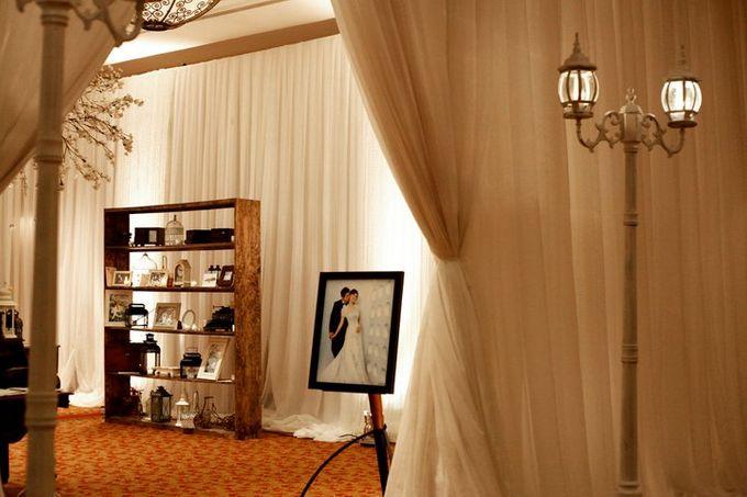 White Vintage Charm by Tea Rose Wedding Designer - 017