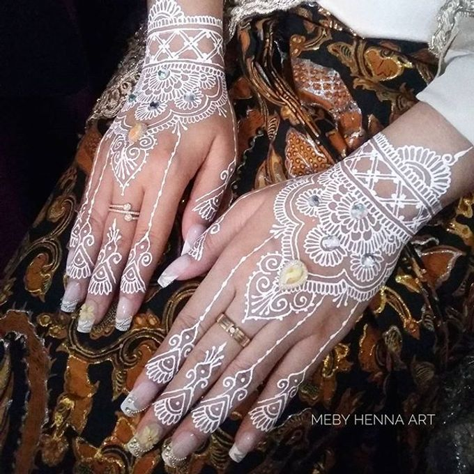 White Henna by Meby Henna Art - 002