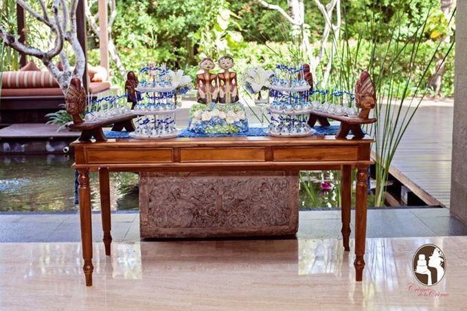 Silver & Royal Blue Wedding Cake by Creme de la Creme Bali - 005