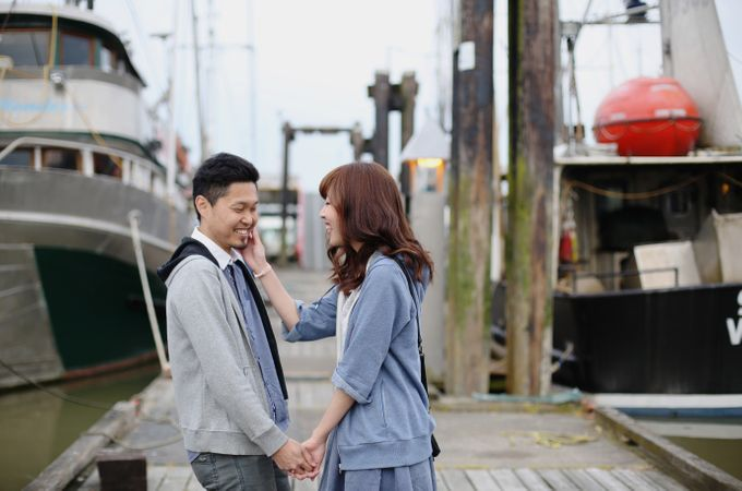 Engagement shoot at Steveston Richmond by Rebecca Ou Photography - 015