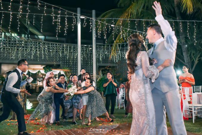 THE WEDDING Of  Mr KARLPEMER & Ms Susiani Retno by APLUS DECORATION & WEDDING PLANNER - 011