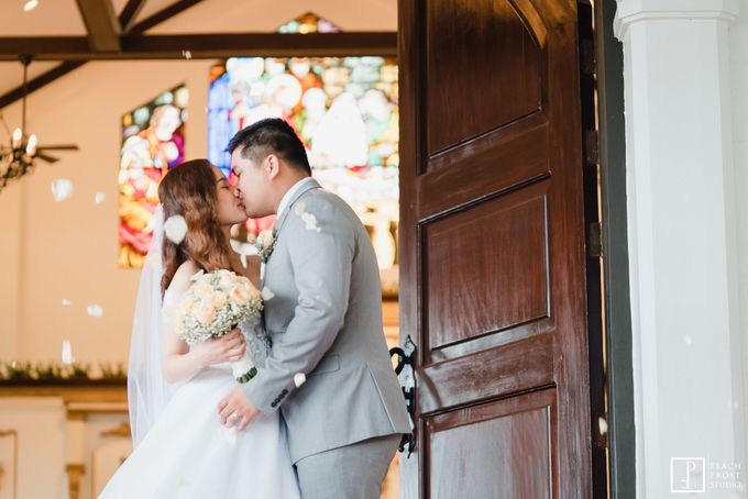 Tina & Niel's Peach Themed Intimtate Wedding in Tagaytay Highlands by Peach Frost Studio - 035