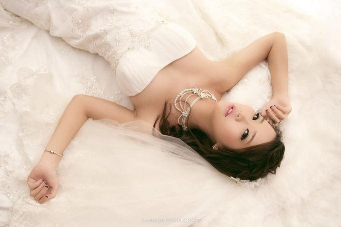 Brides by LING Chia Makeup & Hairstyling - 007