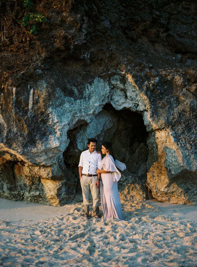 Rian & Kiki Engagement by Arta Photo - 002