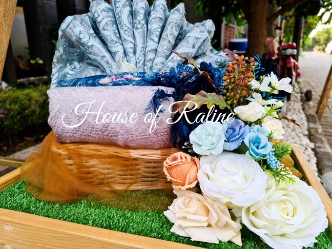 Rustic With Cream White Baby Blue by House of Raline Wedding Hampers - 009