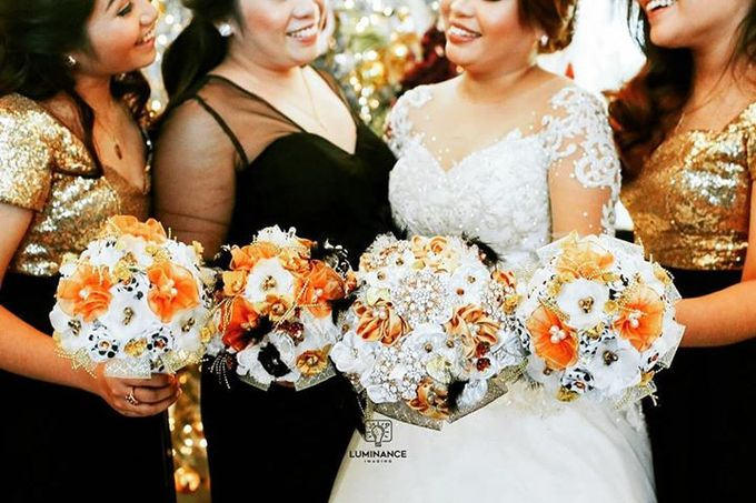 Handcrafted Bouquets and Wedding Accessories  by Duane's Fleur Creatif - 005