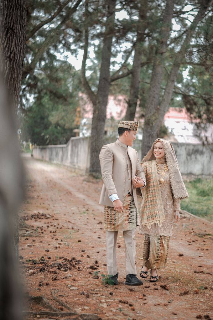 The Wedding Febry & Merlin by asmaraloka.picture - 004