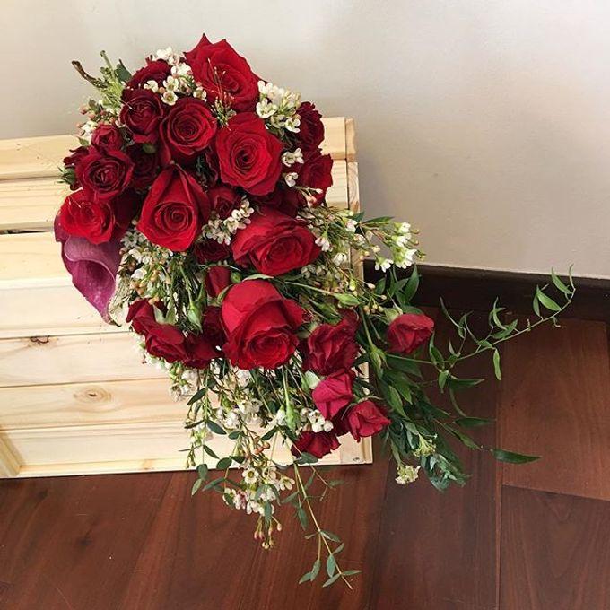 Bridal Hand Bouquet by Petite Fleur SG - 028