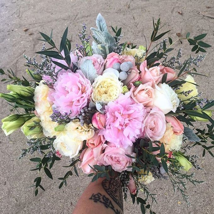 Bouquets  by Weddings by TV - 044