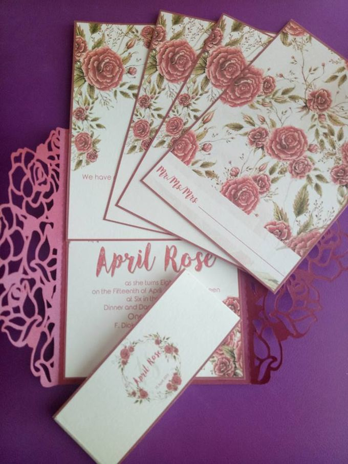 Roses Gatefold Invitation by Ribbons and Prints - 001
