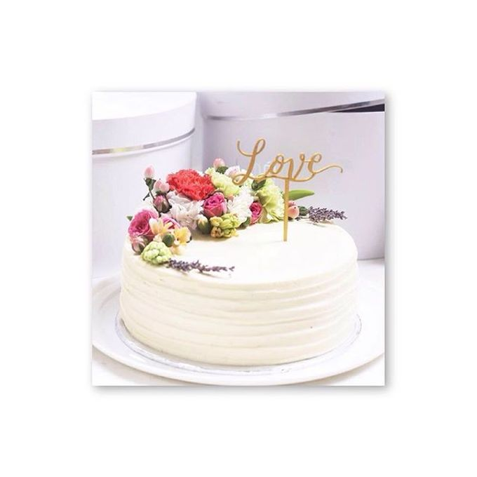 Flowers on Cake by Angie Fior - 009