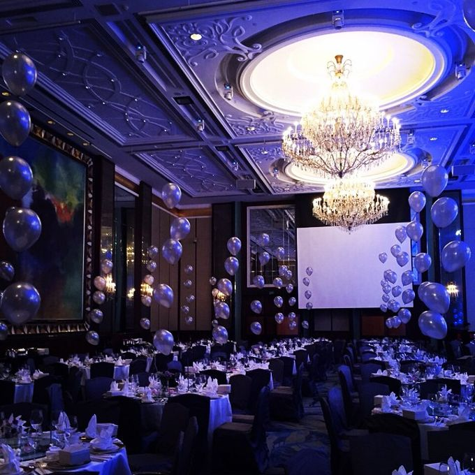 Ballroom Table Centerpieces by Balloon Blasters - 002