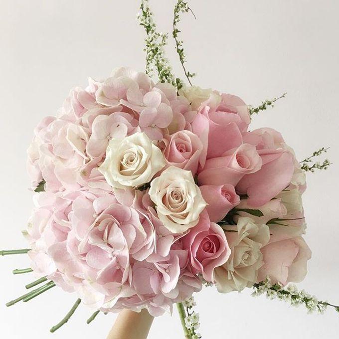 Bridal Hand Bouquet by Petite Fleur SG - 027