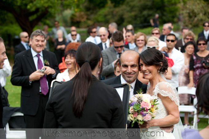 Lighthearted and modern wedding ceremonies by Luke Simon Photography - 002