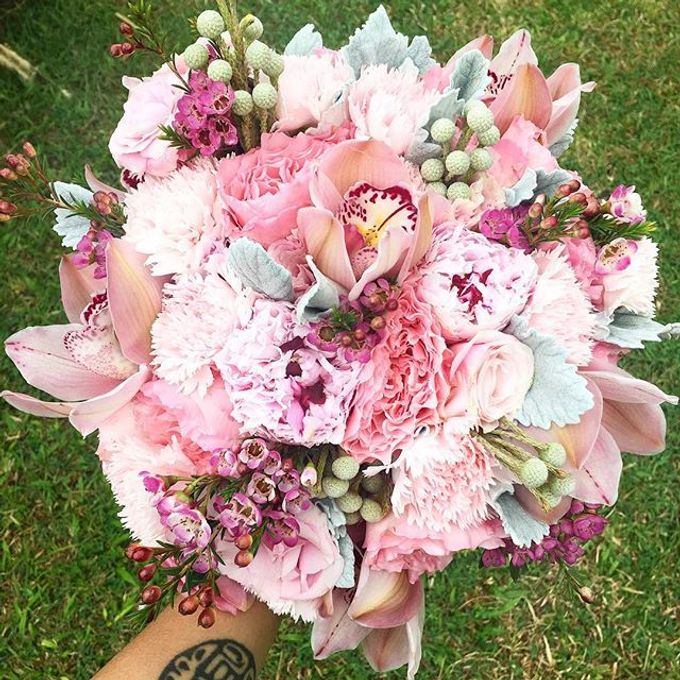 Bouquets  by Weddings by TV - 043