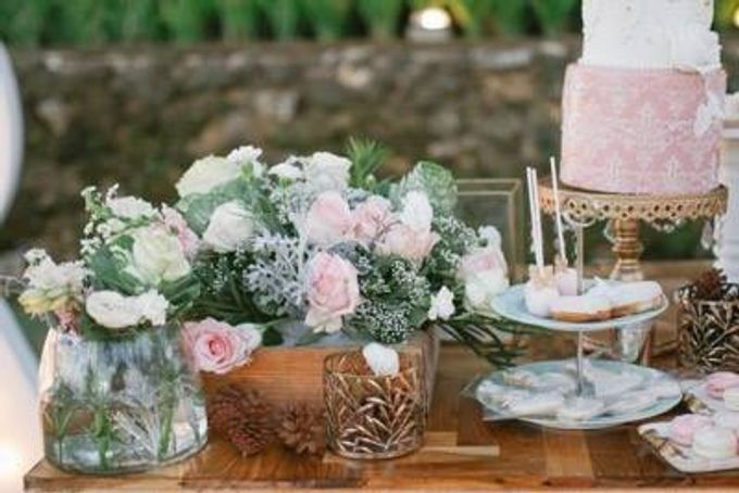 Khayangan Estate - Alfresco Cliff Edge Dining by Flora Botanica Designs - 049