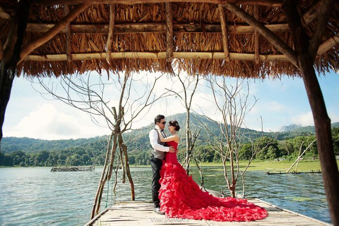 Truly Madly Deeply - Hendratama and Anastasia Prewedding by Antony by Vow Pictures - 007