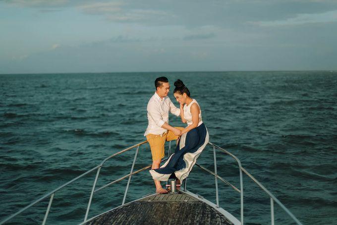 PRE - WEDDING ARA & OLIVIA BY HENOKH WIRANEGARA by All Seasons Photo - 017