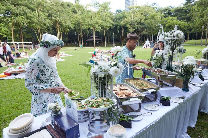 Picnic Wedding at the Park by Megu Weddings - 017