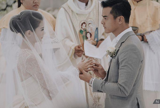 Dion Wiyoko & Fiona Wedding by Djampiro Band Bali - 017