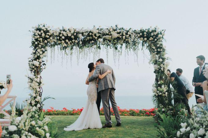 CA & Sebastian Wedding by THE UNGASAN CLIFFTOP RESORT BALI - 004