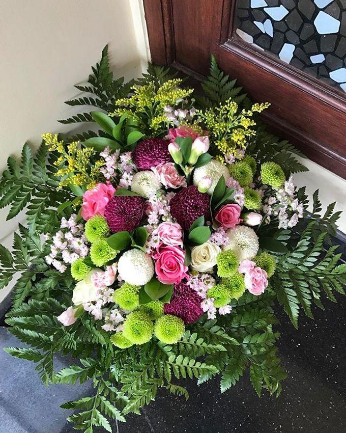 Hand Bouquet by JOVAFLORIST - 034