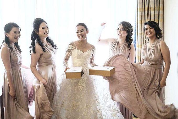 Beige at Frangky Amor Wedding by Imelda Hudiyono Bride - 006