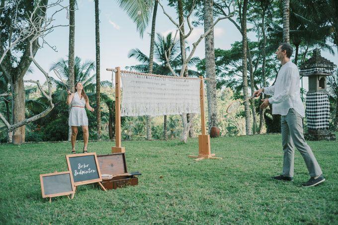 Pernikahan dengan tema ramah lingkungan, dengan keluarga dan teman dekat ditambah dengan dekorasi yang selaras dengan alam membuat pernikahan ini spec by AVAVI BALI WEDDINGS - 007