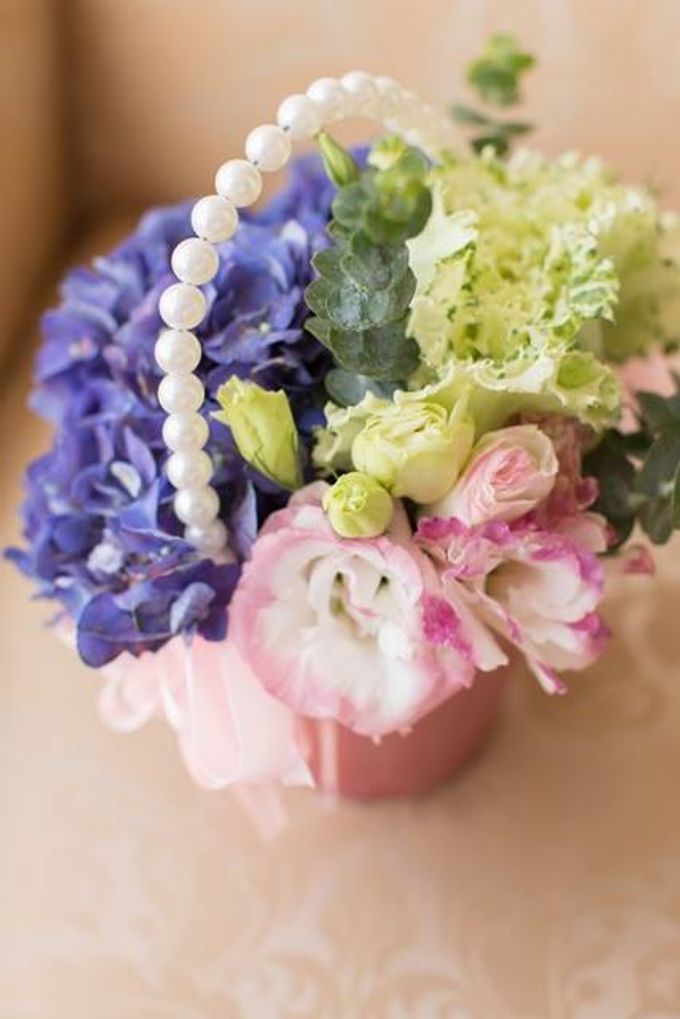 Entourage Flowers by Natural Art Flowers and Decors - 010