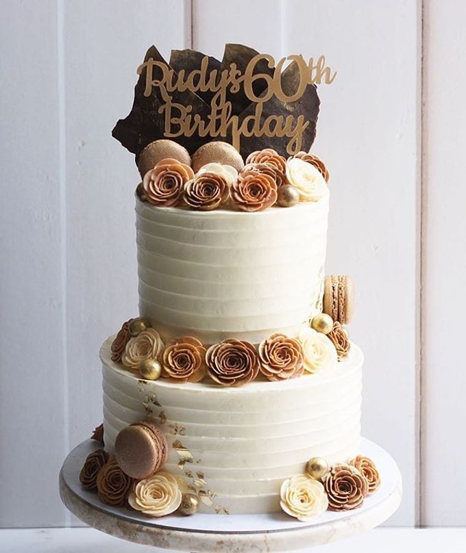 2 tiers Celebration Cake (Wedding, Birthdays, etc) by duchess bakes - 034
