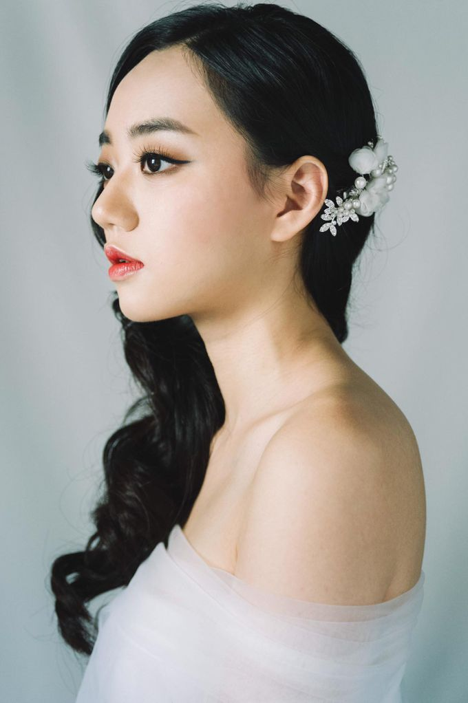 Glamorous Elegant Timeless by Makeup Maestro Weddings - 005