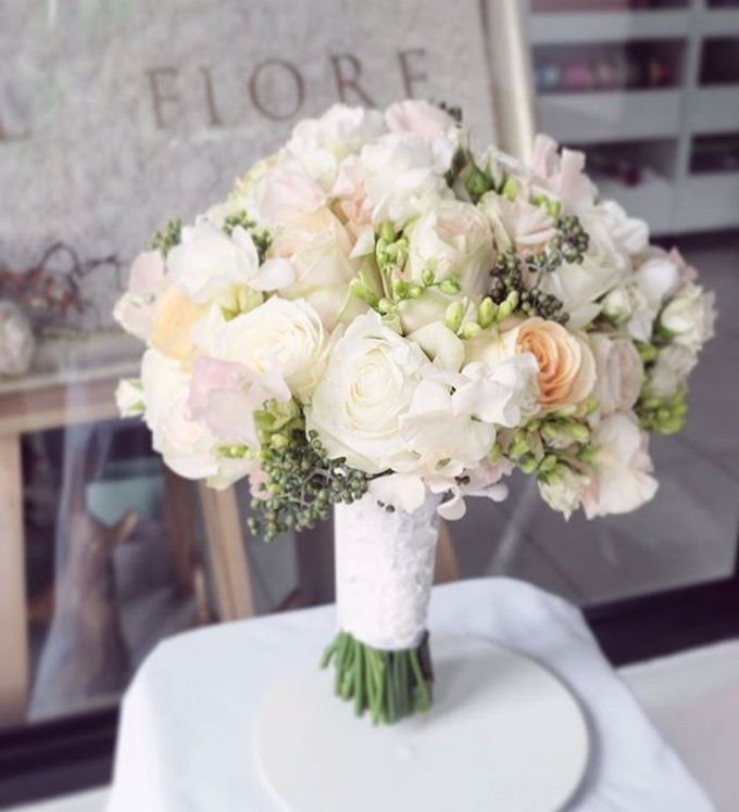 Round Bouquet Collection by Il Fiore - 001