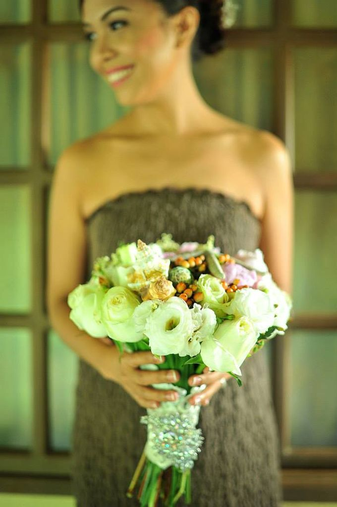 Beach Wedding by Marga Florist - 003