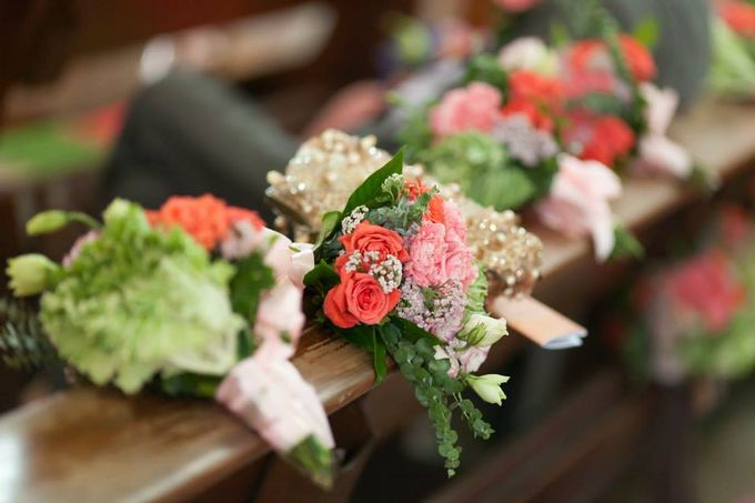 Entourage Flowers by Natural Art Flowers and Decors - 015