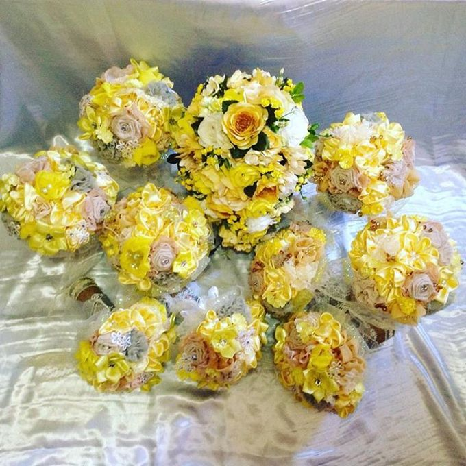 Handcrafted Bouquets and Wedding Accessories  by Duane's Fleur Creatif - 001