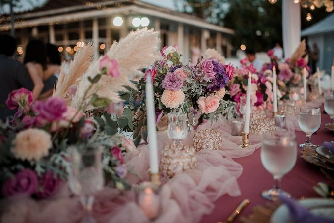 Soft Purple & Lavender Decoration Wedding by Bali Izatta Wedding Planner & Wedding Florist Decorator - 001
