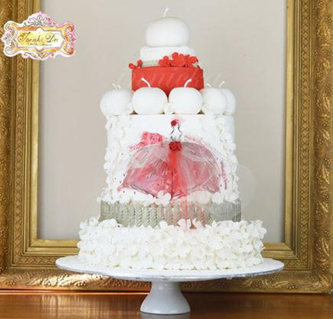 Wedding Cakes by Innicka Dee Cakes - 022
