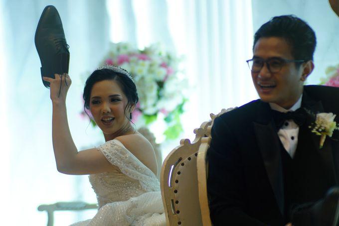 Adri & Teresia Wedding by deVOWed Wedding & Event Planner - 018