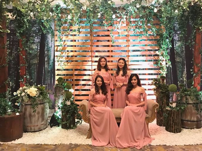 Usher wedding at hotel shangrila by allegra wedding agency add to board usher wedding at hotel shangrila by lily florist decoration 001 junglespirit Image collections