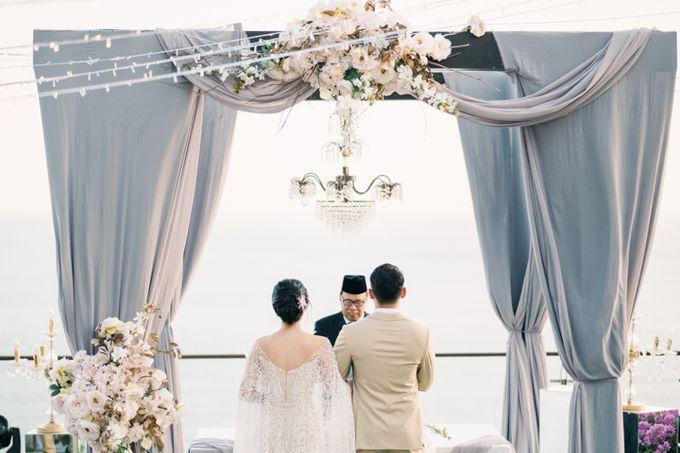 Wedding of Ana Octarina & Adie Baron by Tirtha Bridal - 020