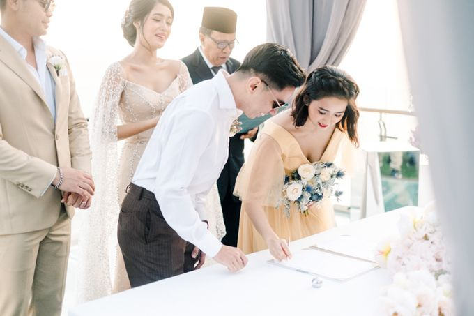 Wedding of Ana Octarina & Adie Baron by Tirtha Bridal - 022
