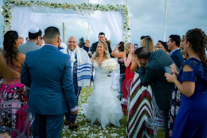 Beatriz & Derek Wedding by Jennifer C  Wedding & Event Agency - 006