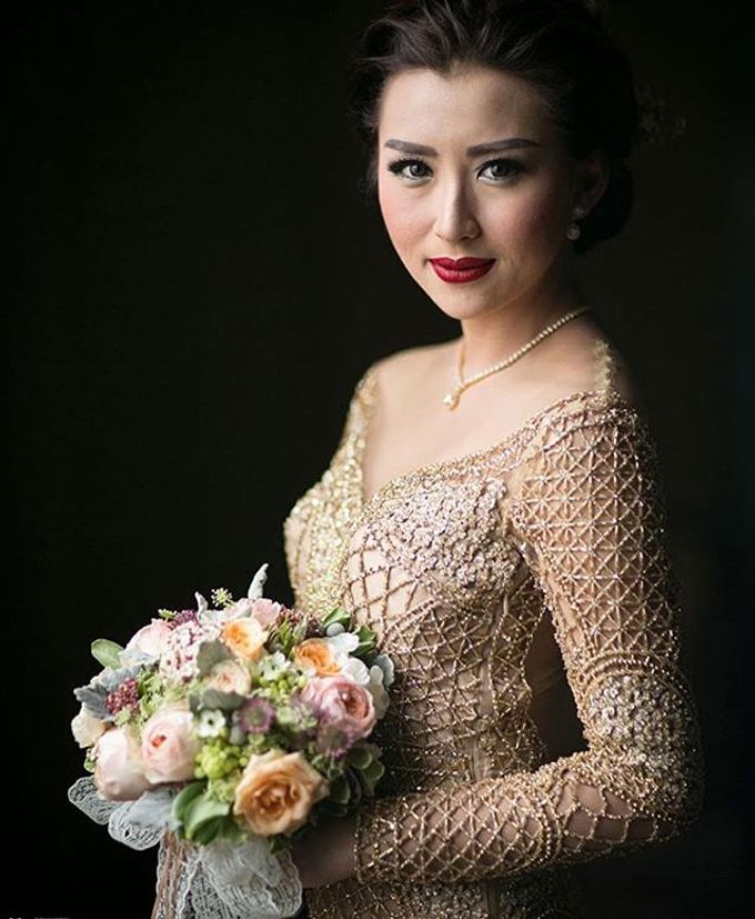 Bride Bouquet by Angie Fior - 048