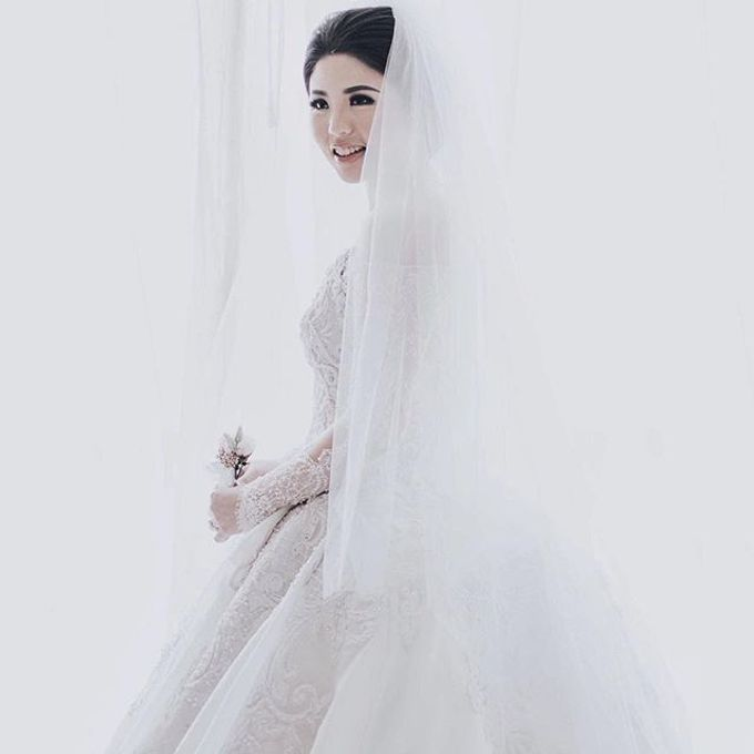 Wedding Gowns By Celine Ratna by Celra Official - 001