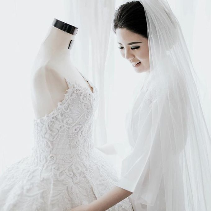Wedding Gowns By Celine Ratna by Celra Official - 014