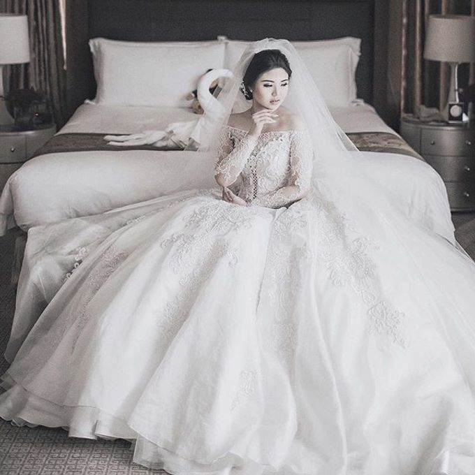 Wedding Gowns By Celine Ratna by Celra Official - 011