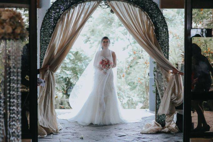 WEDDING |  Derick  & Khassy at Chapel on the Hill by Honeycomb PhotoCinema - 011