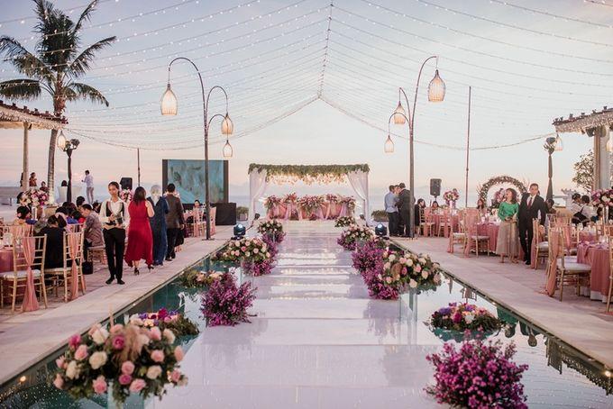 Soft Purple & Lavender Decoration Wedding by Bali Izatta Wedding Planner & Wedding Florist Decorator - 010